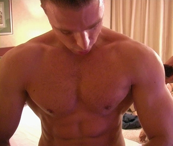 JonathanC: Gay Escort in All Areas, Italy